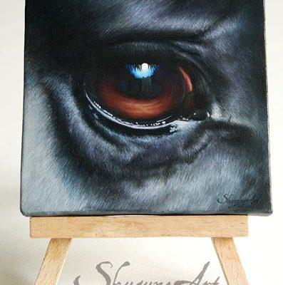Art équin : tableau I SEE YOU II, représentant l'œil d'un cheval noir, réalisé avec la technique de la peinture à l'huile. Meilleur artiste équin peintre animalier.