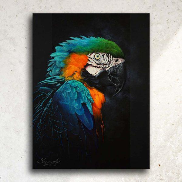 Art animalier : tableau RAINBOW FEATHERS, avec un ara bleu, réalisé avec la technique de la peinture acrylique, sur fond noir moderne et graphique. Meilleur artiste peintre animalier. Art de luxe